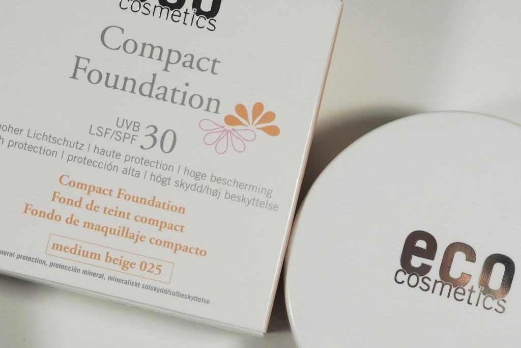 Eco Cosmetics Compact Foundation mit SPF 30